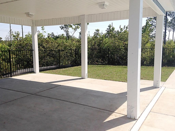 Oyster Landing Townhome Picnic Area